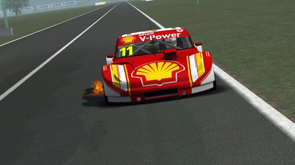 Gaetano di Mauro em carro virtual do Turismo Carretera