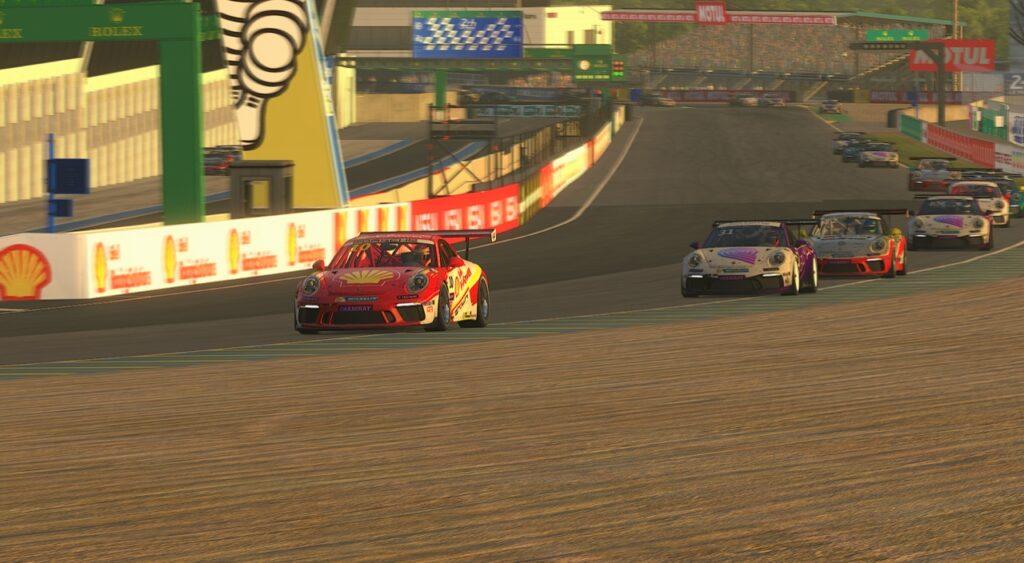 Erick Goldner em ação na Porsche eSports Carrera Cup