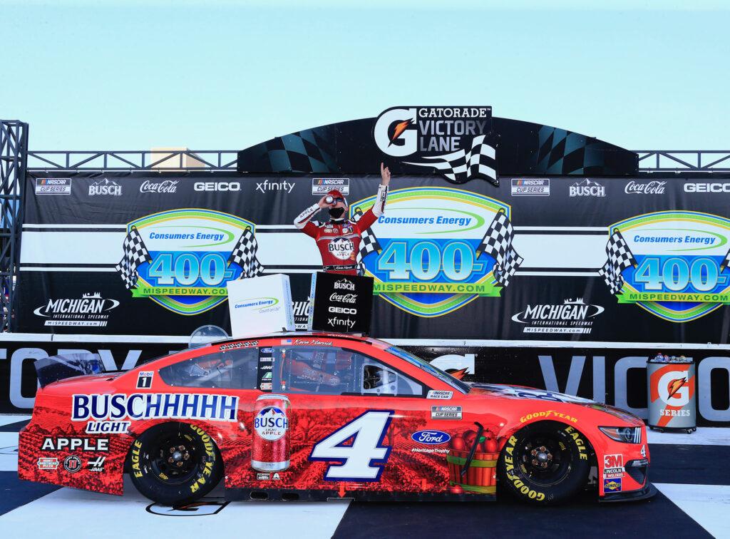 NASCAR; MICHIGAN; CORRIDA 2; KEVIN HARVICK; VITÓRIA;