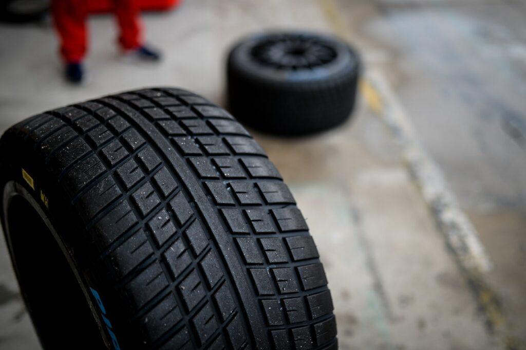Pneus de chuva, Pirelli, Stock Car, Interlagos (Foto: Duda Bairros/Vicar)
